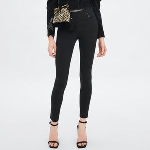 Zara Mid-rise Leggings with Button Detail 7385/210